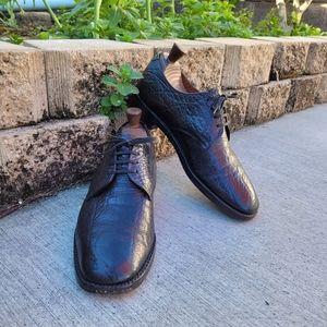 Loake Pebble leather Derbys. Black.